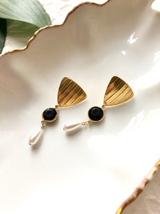 Teardrop Pearl & Black Gemstone Gold Dangle Earrings