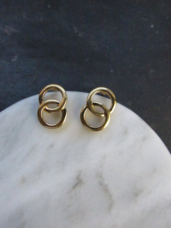 Twin Interlocking Circles Gold Pierced Earrings
