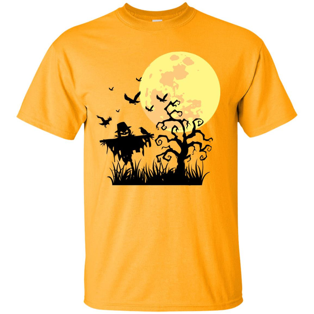 A PUMPKIN SCARECROW IN THE CORNFIELD AND MOON Unisex T-Shirt