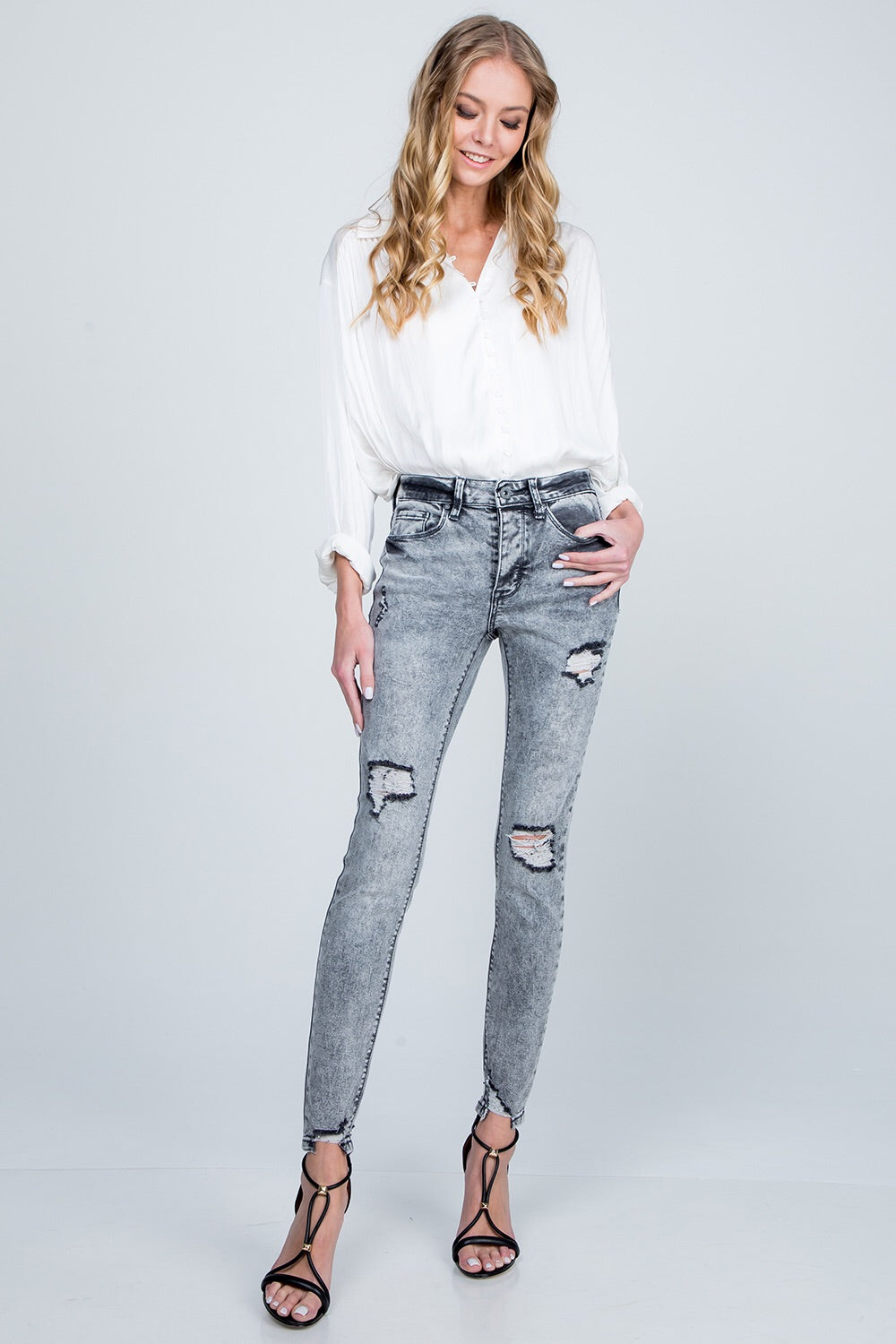 Mid Rise Skinny With Destroy And Distressed, Grey