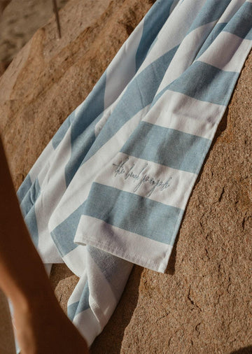 THE BEACH PEOPLE - SAND FREE CABANA TOWEL // SKY BLUE