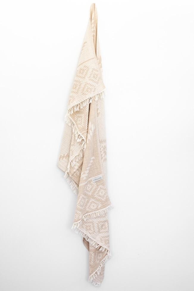 ONEFINESUNDAY CO - AZTEC TURKISH // BEIGE & WHITE
