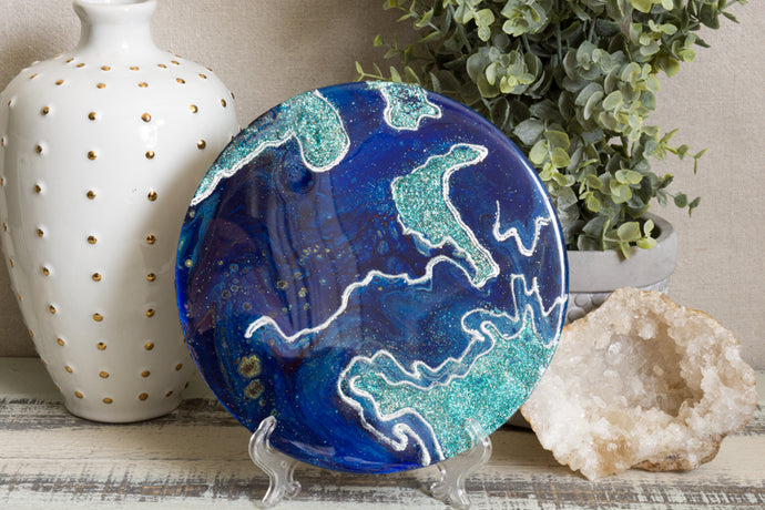 abstract blue and teal resin trivet