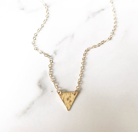 XO Hanalei Petite arrow necklace