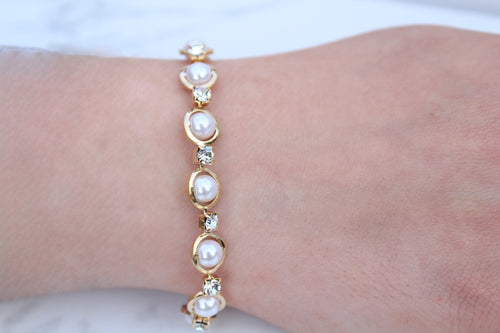 White Simulated Pearl and Crystals Bracelet