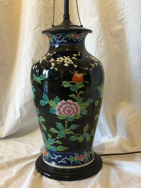 Asian porcelain table lamp