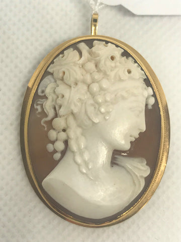 Italian carved cameo brooch artist signed.
