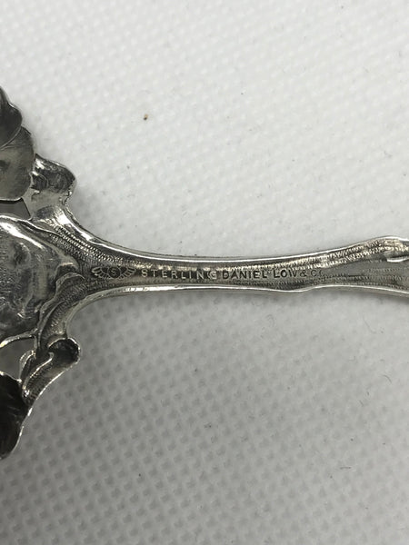 Bon Bon Scoop. Shiebler Co. Pierced Sterling Silver. Fiorito Clematis. 1903