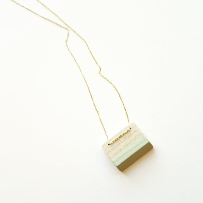 necklace: bleached ash/mint