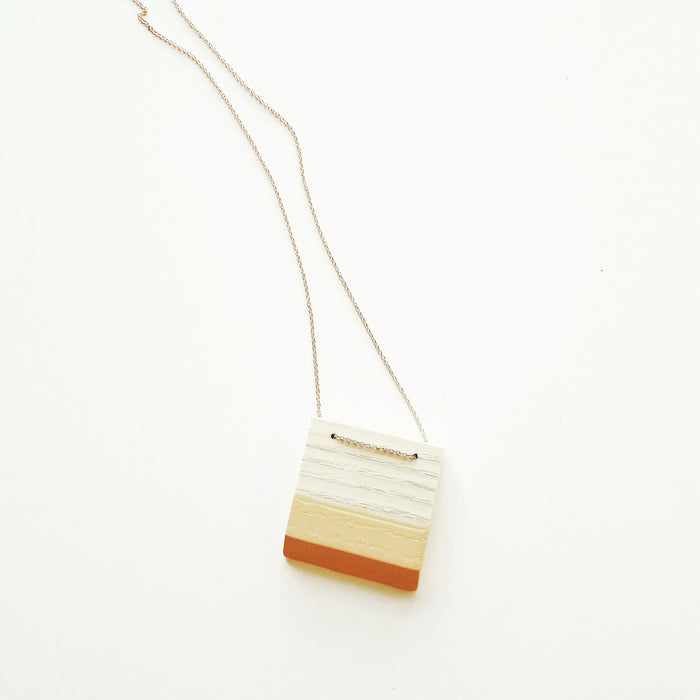necklace: bleached ash/peach