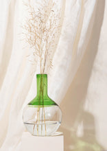 Load image into Gallery viewer, Iris vase - Green - Small | Medium | Big