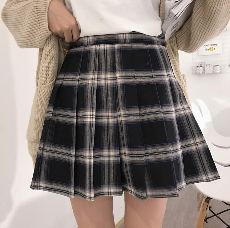 'Maniacal' grunge black and white plaid mini skirt (Plus size)