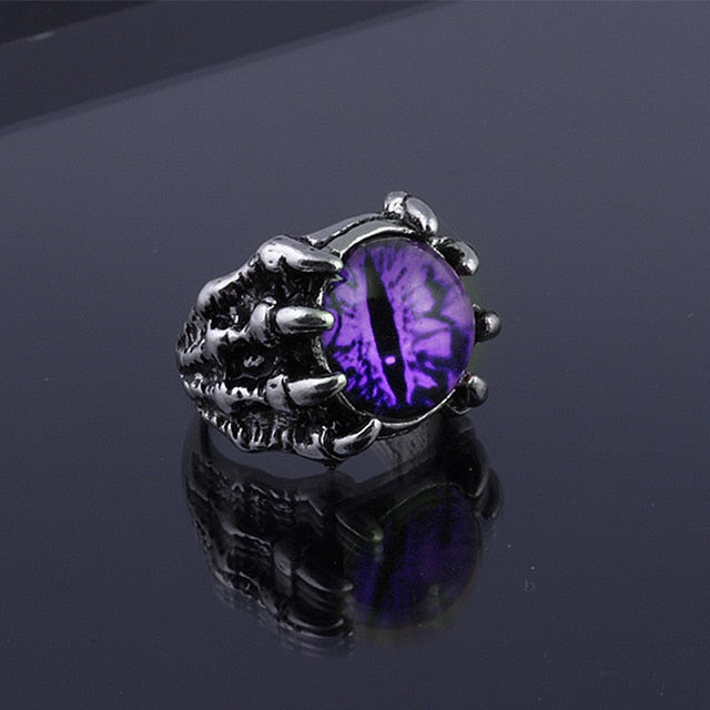 'Soulbound' Claw Ring Available in 4 Colors