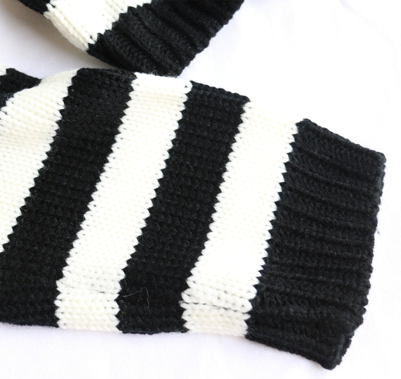 'It's Showtime' Black and white cropped sweater