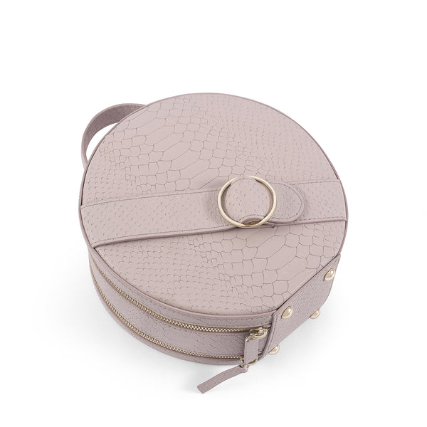 Flat view of Latitu° Formosa handbag in warm taupe