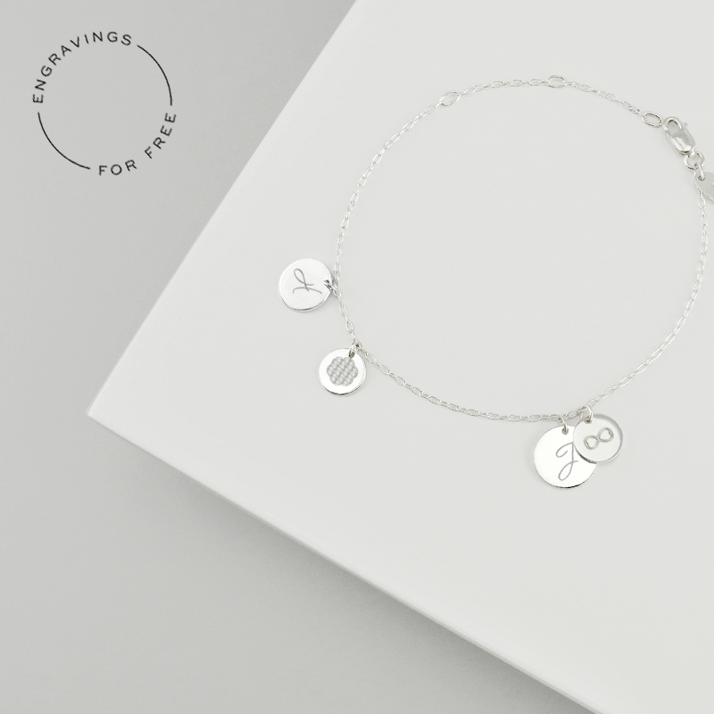 Tell YOUR story and moments of YOUR journey throughout life by adding lovely engravings to this timeless pendants.