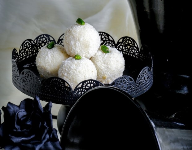 Indonesian Coconut Ladoo