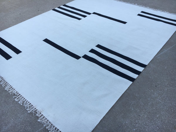 Moroccan Kilim - White white and black -K72