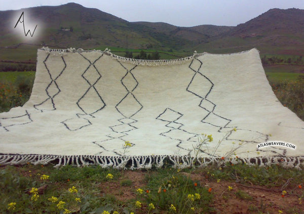 Custom Moroccan Beni Ourain Rug - Berber weave of the Atlas Montains - M090