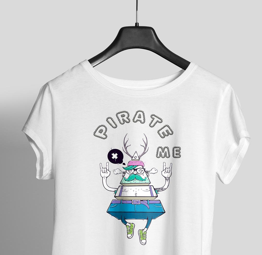 PIRATE ME Women Graphic Tee - OyeHoe