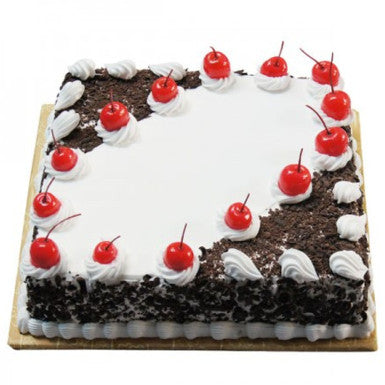 This black forest will undoubtedly make you get hooked on it.  #Cake Links Nagpur