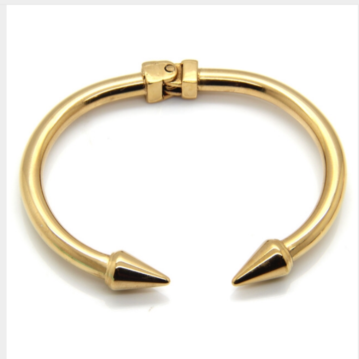 Cori Arrow Bracelet