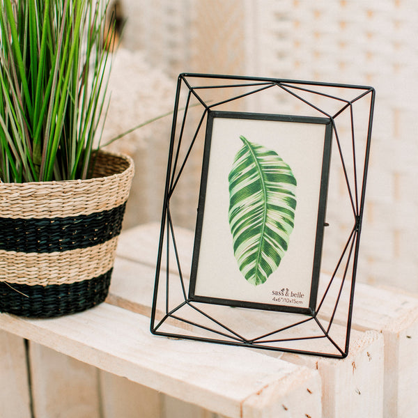wire photo frame