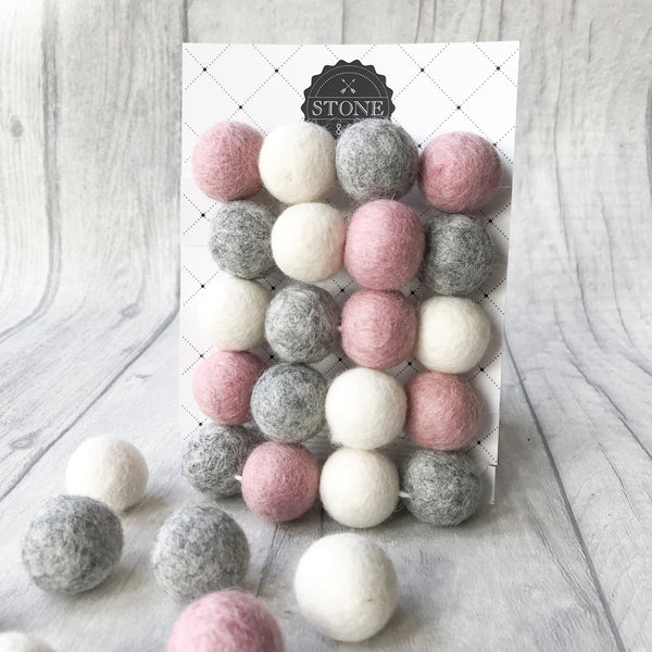Stone and Co Felt Ball Pom Garland Dusty Pink, Natural Grey and Natural White - stoneandco