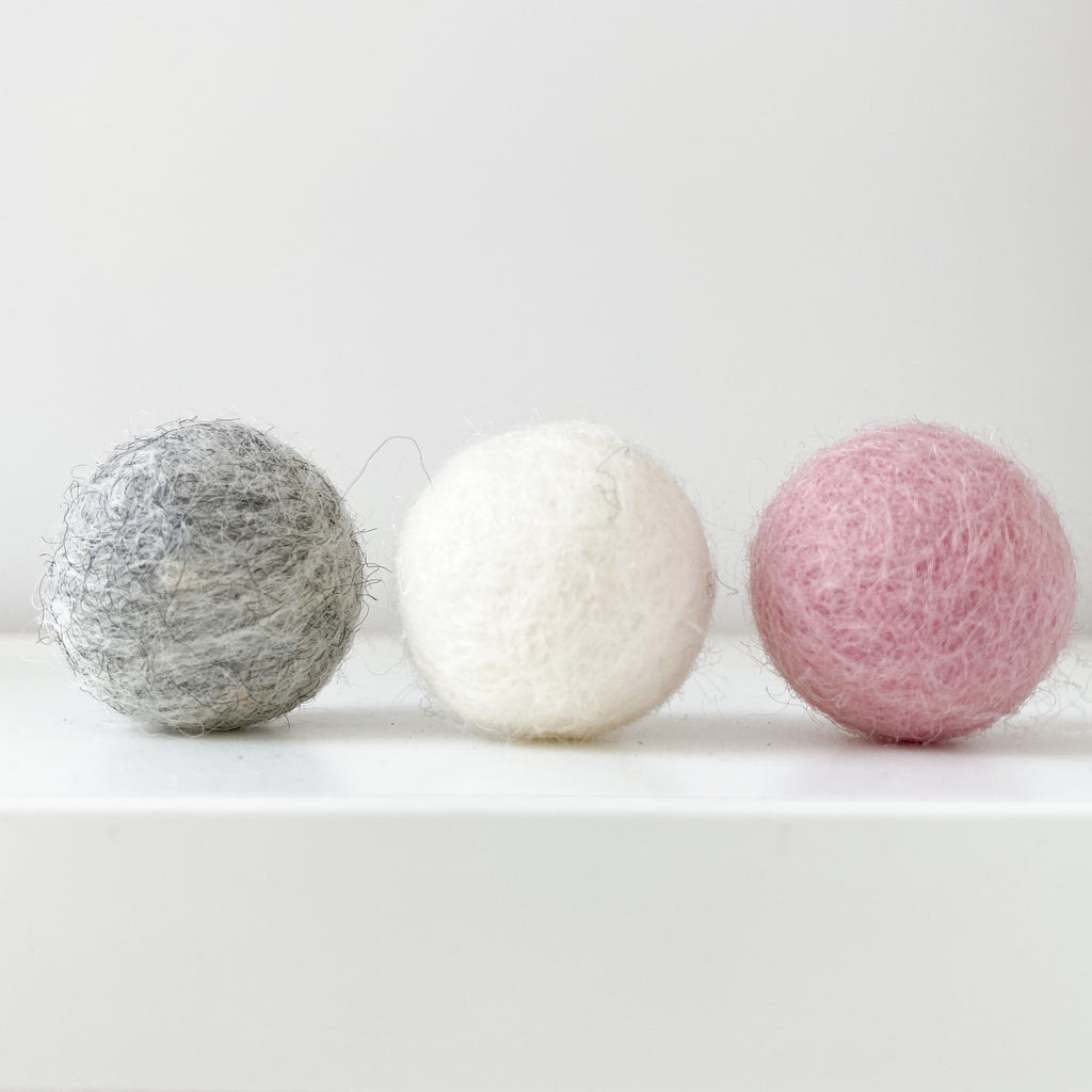 Curtain Felt Ball Tie Backs in Dusty Pink, White and Grey - stoneandcoshop