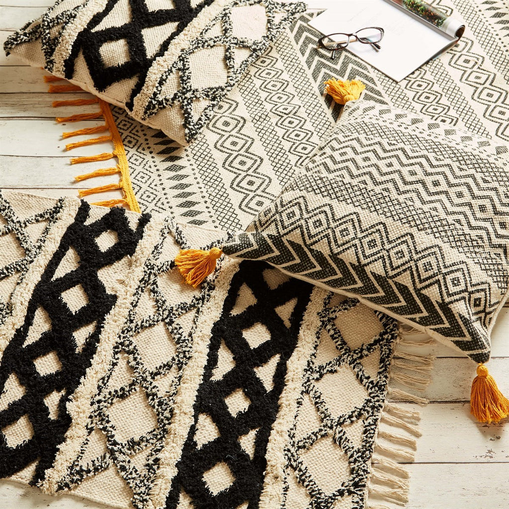 Black and White Scandi Rug - stoneandcoshop