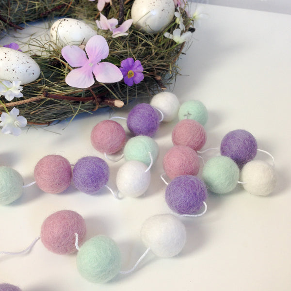 Stone and Co Felt Ball Pom Garland Spring Time - stoneandco