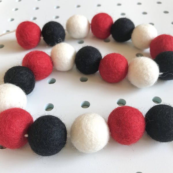 Stone and Co Felt Ball Pom Pom Garland Red Black and White - stoneandco