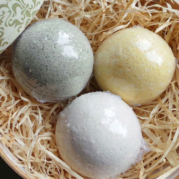 Gift Box of 7 Plasma Bath Bombs with Calcium, Magnesium, Copper and Herbal Micro Powders