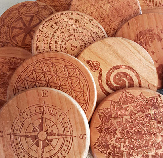 QI Charger Pad with Customized Engraved Cherry Wood design ''DNA''