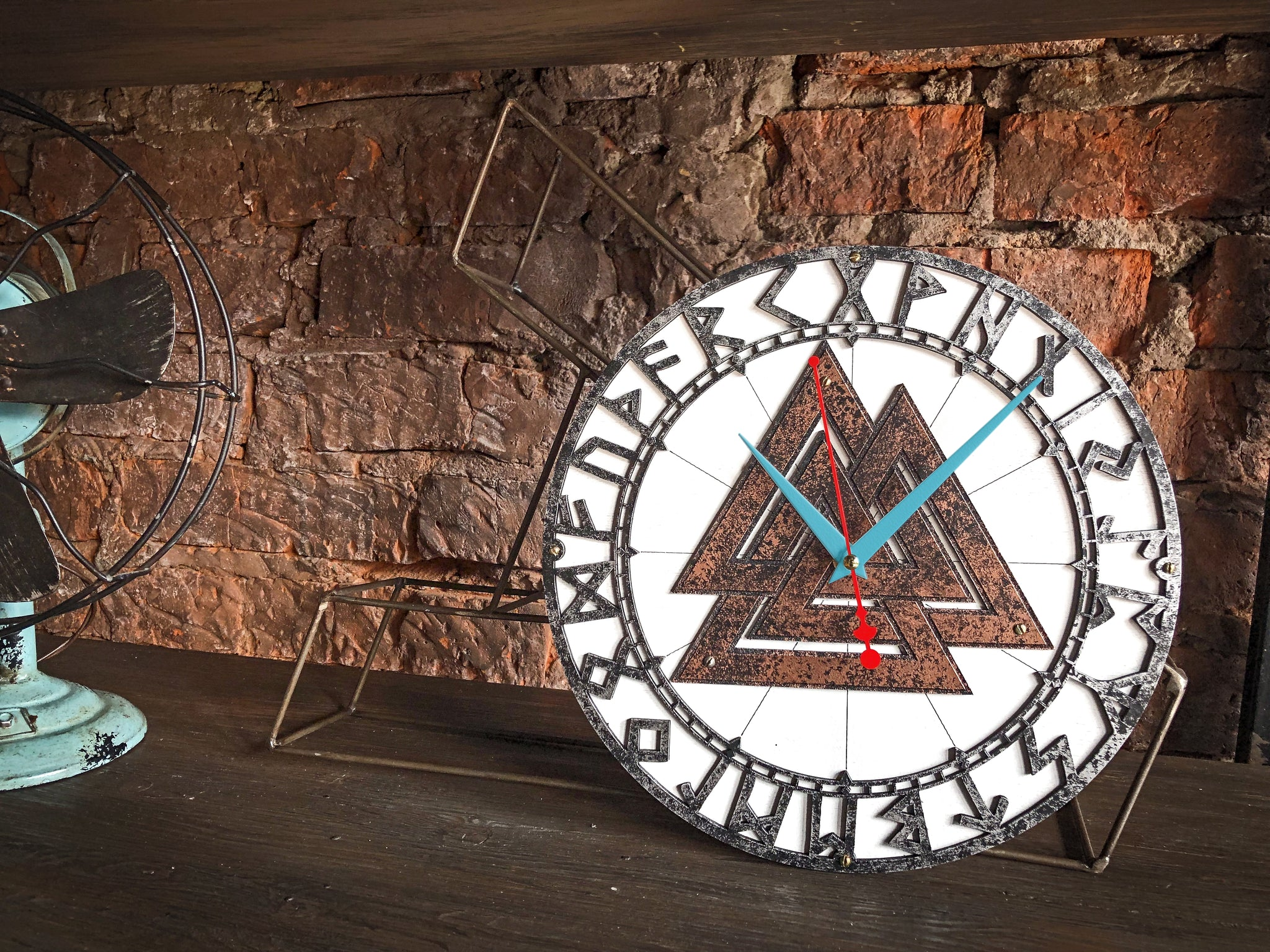 Valknut Rusty Metal Wall Clock - WOODANDROOT