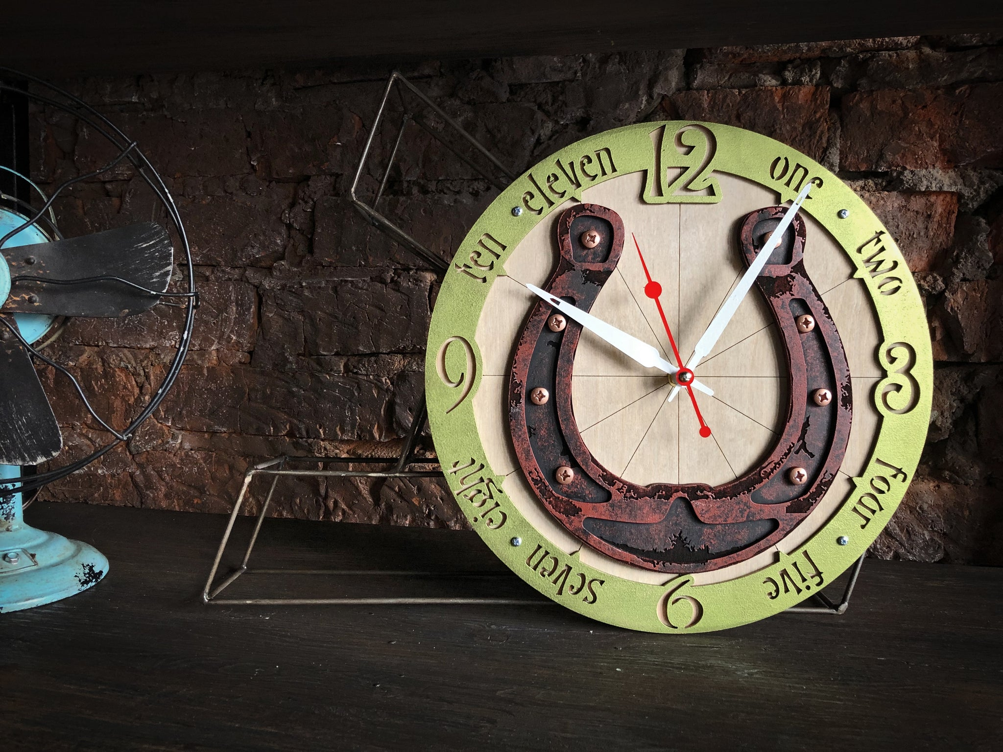 Rusty Horseshoe Wall Clock - WOODANDROOT