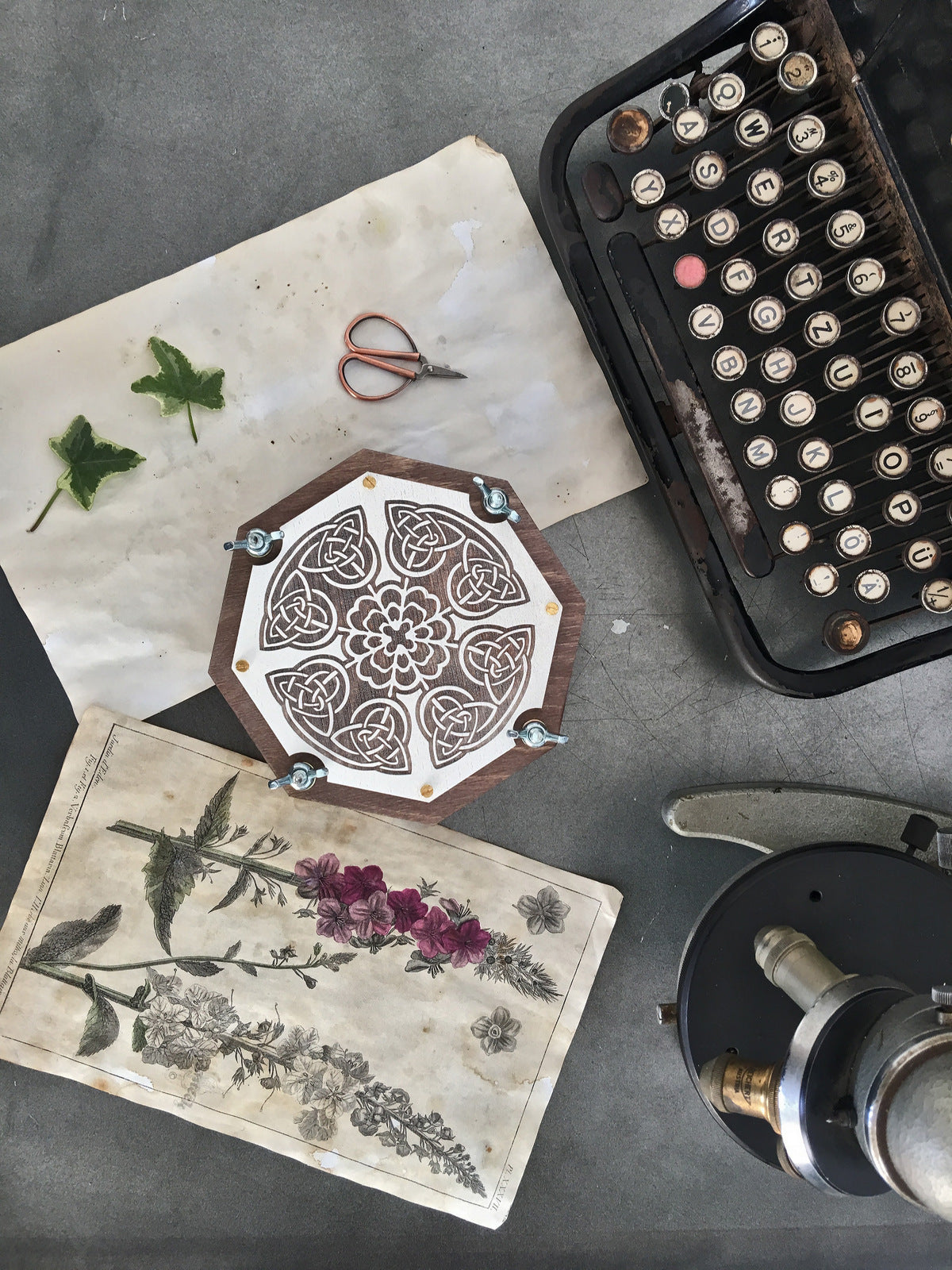 Buy оctahedral Botanical Flower Press At Woodandroot For Only 1900