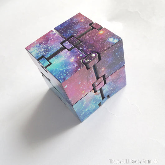 Stress Relieve Thinking Infinity Cube (Touch and Muscle Tool)