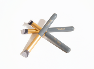 Hush-Hush Brush concealer