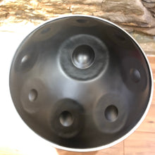 9-note d minor beginner handpan, Black finish