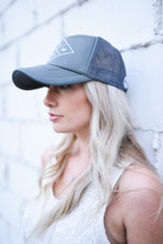 MOM LIFE (DIAMOND) TRUCKER - GREY