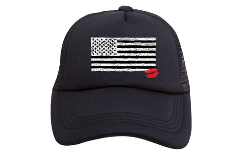 FLAG WITH LIPS TRUCKER