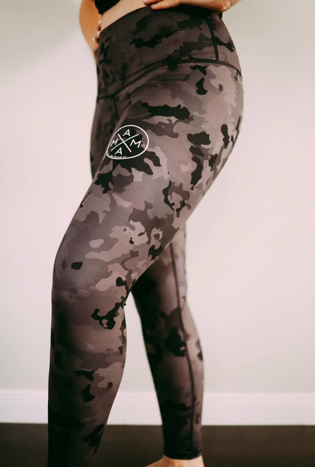 YOGA PANTS - BLACK CAMO