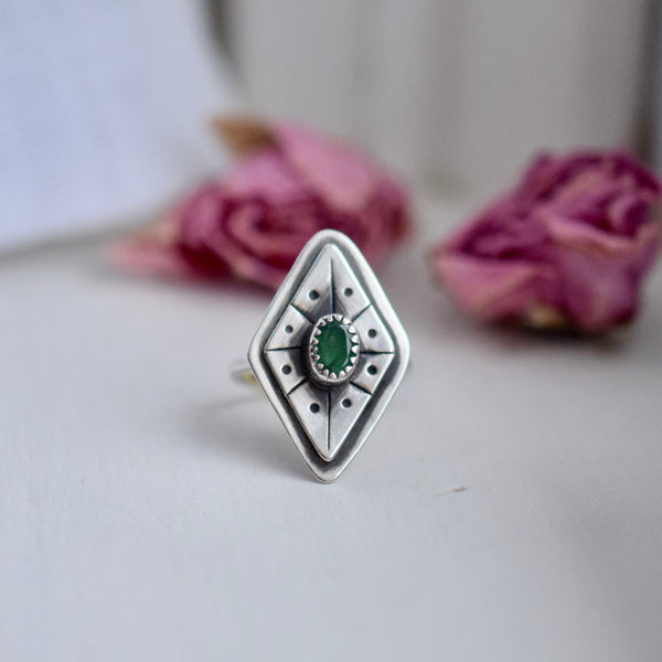 Treasure Ring with Emerald size 5