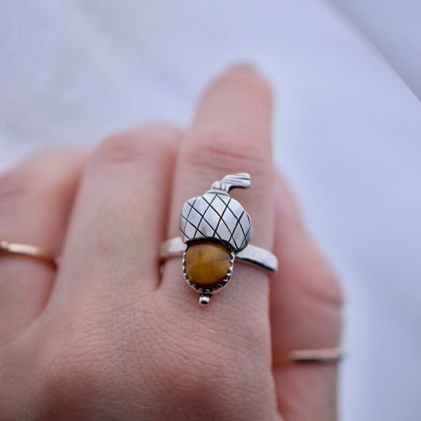 Acorn ring with Tigers Eye size 8