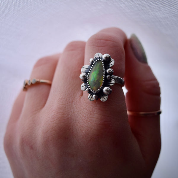 Supernova Ring with Ethiopian Opal size 6