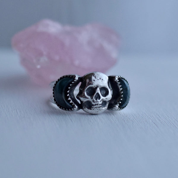 Eternal Skull Ring with Labradorite Size 9