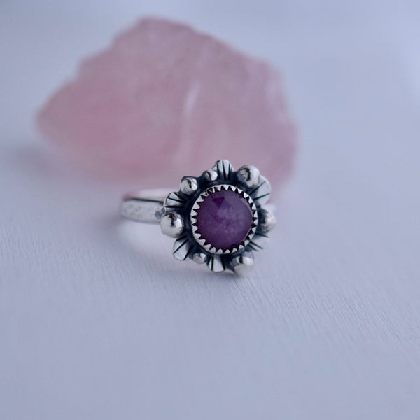 Supernova Ring with Rose Cut Sapphire size 8