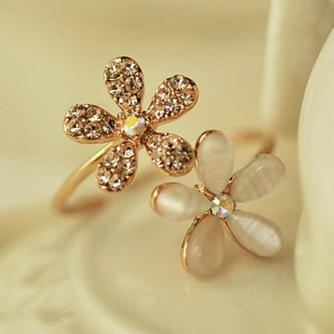 Fashionable Flower 18K Gold Plated Ring