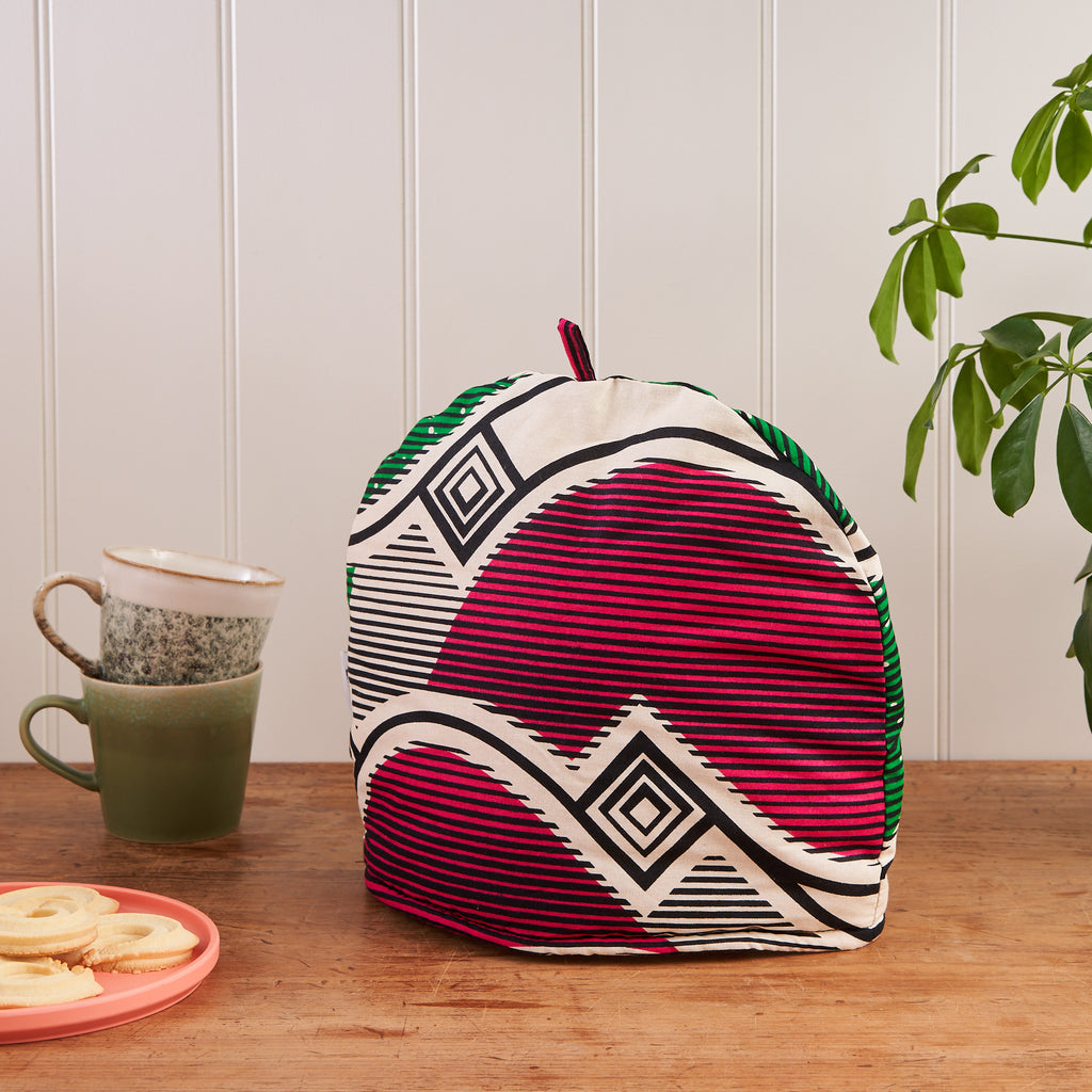 Tea cosy - Pink and green waves